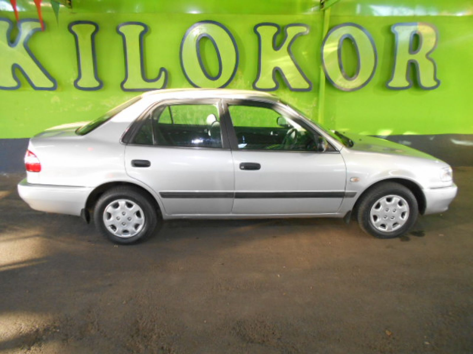 2002 toyota corolla r 59 990 for sale kilokor motors. Black Bedroom Furniture Sets. Home Design Ideas