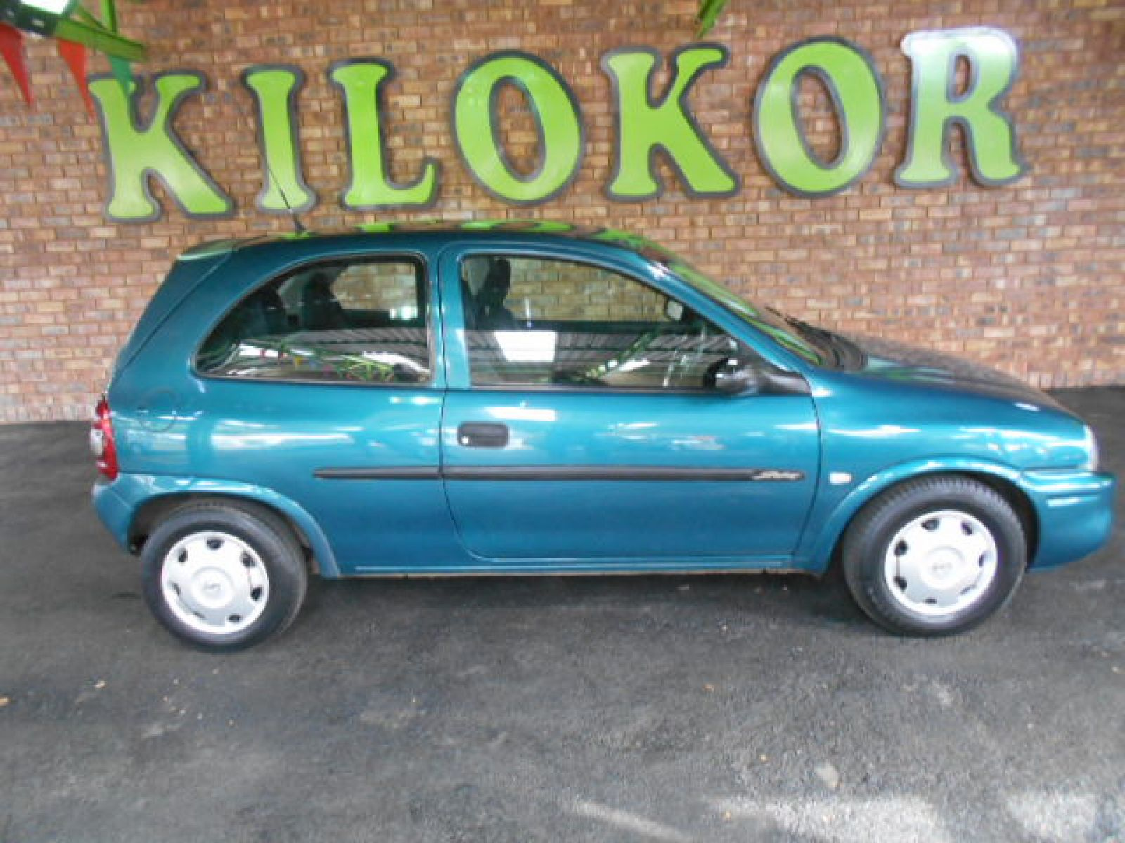 2001 opel corsa r 49 990 for sale kilokor motors. Black Bedroom Furniture Sets. Home Design Ideas