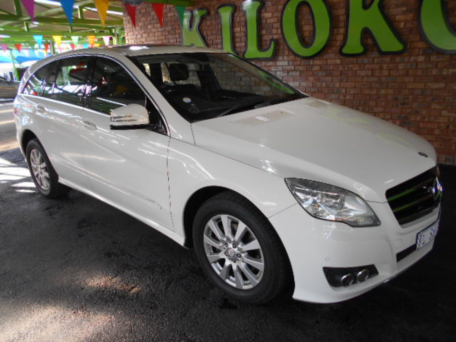 2013 mercedes benz r class r 319 990 for sale kilokor motors for Mercedes benz r class 2013